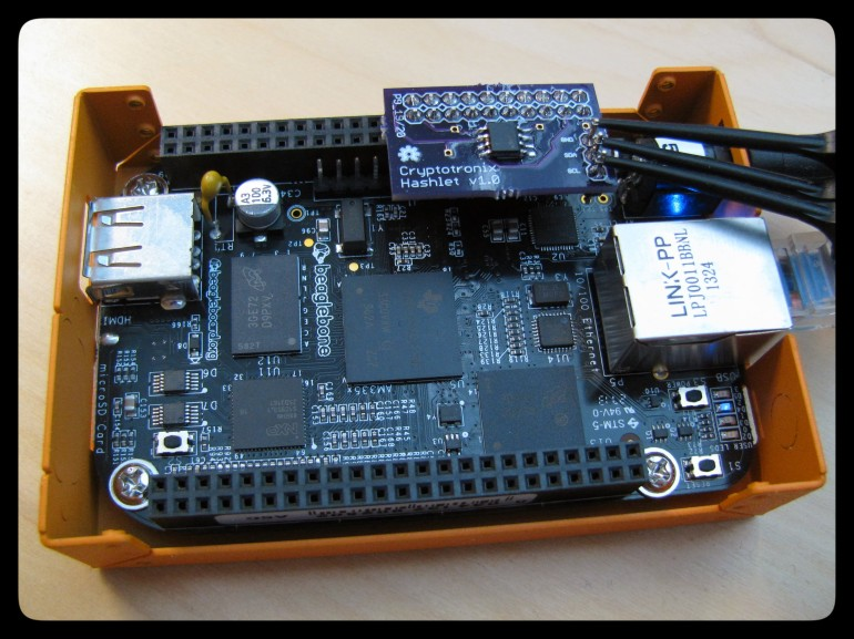 The revised Hashlet with I2C test points.